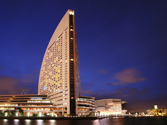 ヨコハマ グランド インターコンチネンタル ホテル 「ヨットの帆」を模した外観でおなじみの横浜・みなとみらいのシンボル的存在