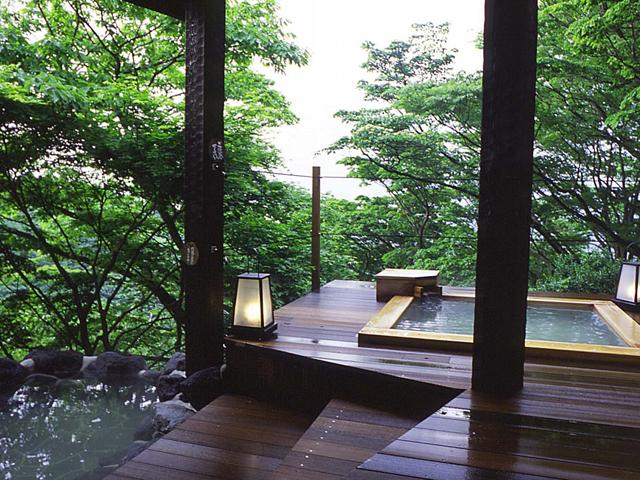 和の宿華ごころ 森の露天風呂一例 個室露天風呂でゆったりと過ごす時間