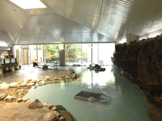ホテルふじ 石和温泉最大級の大岩風呂「信玄」