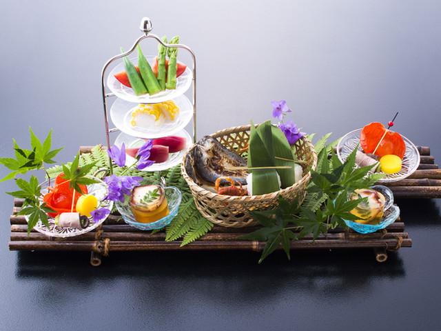 扉温泉 明神館 地産地消。新鮮な旬の食材を味わっていただけます