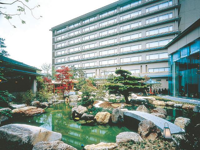 高山グリーンホテル 回遊式日本庭園