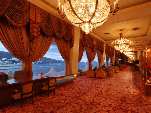ホテルニューアカオ 昭和の雰囲気を残す館内は、懐かしさと楽しみがいっぱい