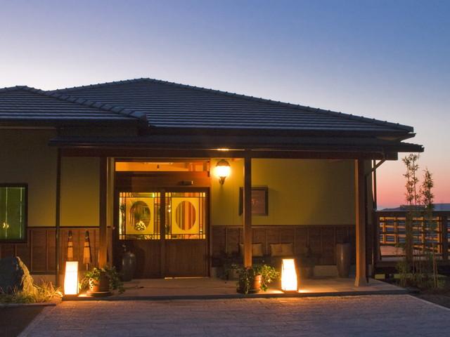 懐古ロマンの宿 季さら 自然の中のプライベートゾーン。夜は星空がロマンチック