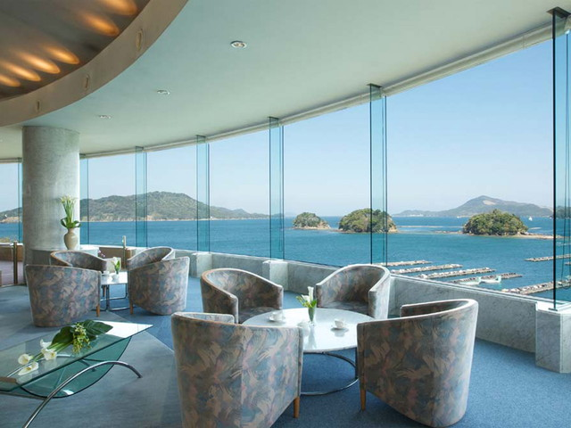 鳥羽グランドホテル パノラマロビーからは素晴らしい海景を楽しめます