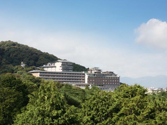 ウェスティン都ホテル京都 緑豊かな東山の高台に佇むホテル