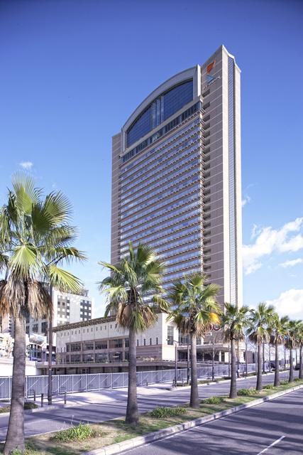 ホテル京阪ユニバーサル・タワー 地上138m33階建ての地域最大のオフィシャルホテル