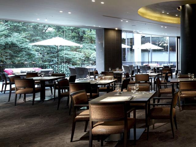「オールデイダイニング リモネ」の朝食ビュッフェは、和洋の多彩な料理が人気