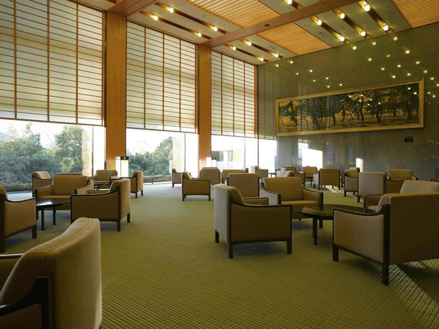 ホテルオークラ神戸 日本庭園を望むロビー