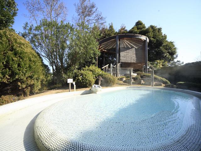 白浜古賀の井リゾート&スパ 南紀の海を一望できる高野槙を使用した露天風呂