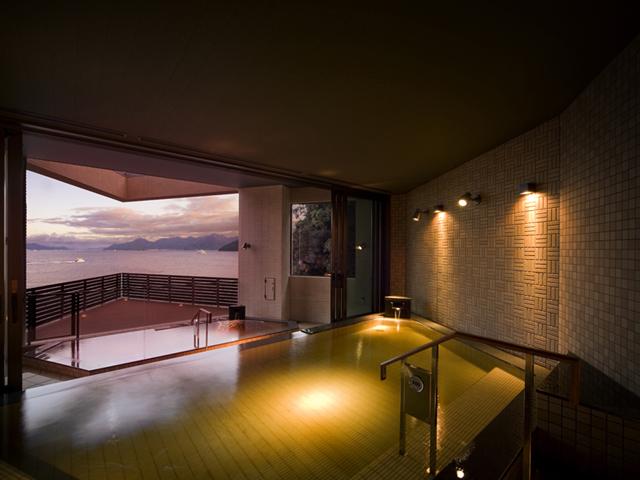 グランドプリンスホテル広島 瀬戸内海の情景を楽しみながらくつろげる展望露天風呂