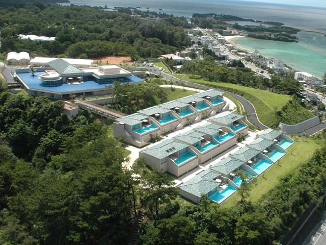 東シナ海を見下ろす高台にわずか14棟のスイートルーム