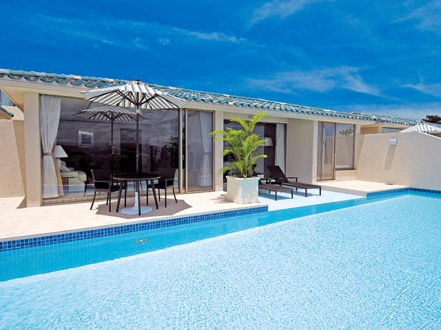 オリエンタルヒルズ沖縄 全室に日本最大級のプライベートプールを設けました