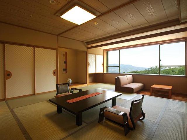 一番湯の宿ホテル木暮 明るく開放的な和室の一例
