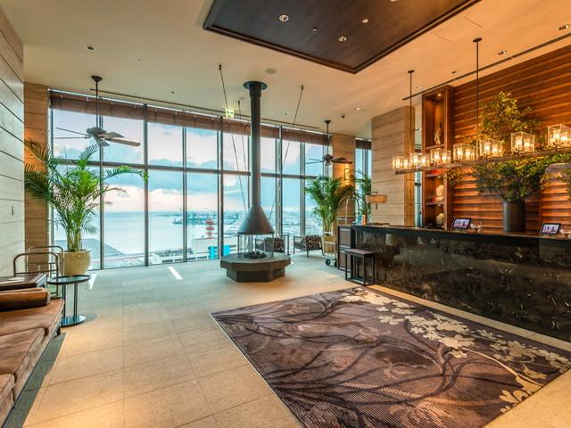 ORIENTAL HOTEL ロビーは最上階。パノラマの絶景が広がるロケーション
