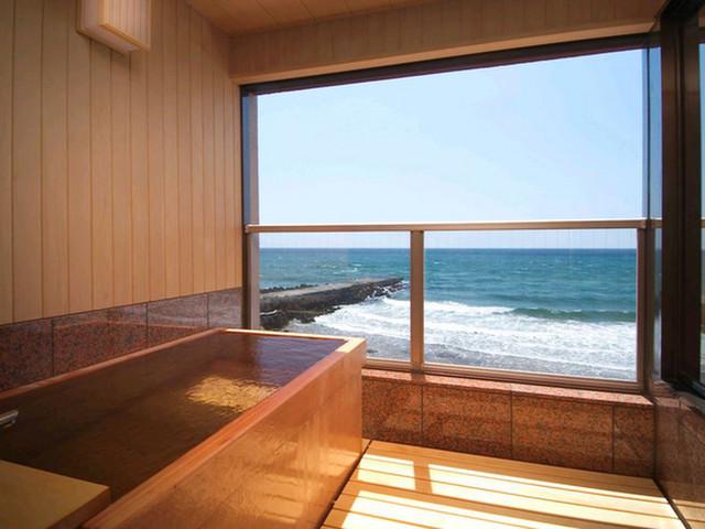 平成館 しおさい亭 別館 花月 雄大な津軽海峡に抱かれたような錯覚を覚えます