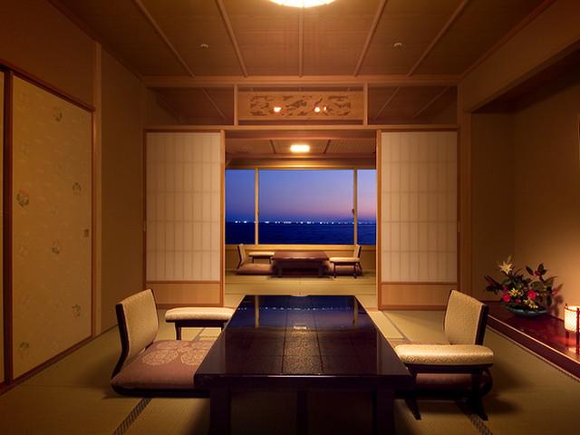 平成館 しおさい亭 別館 花月 全室海沿いのお部屋はまるで海を貸し切ったような感覚