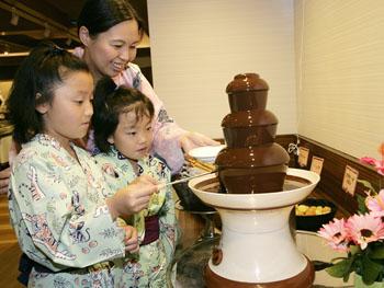 お子様に大人気のチョコレートファウンテン