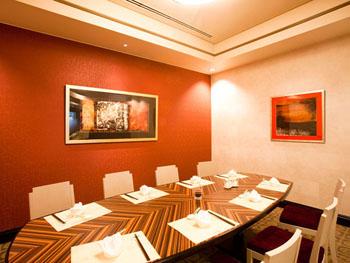 中国レストラン「桃花林」の個室