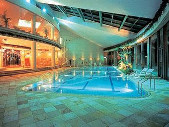 鈴鹿サーキットホテルには温水プールがある!