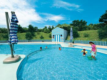 開放感あふれる子ども専用プール