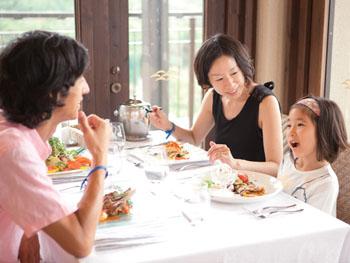 お子様たちも大満足のビュッフェレストラン