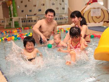 プールデビューに最適な幼児プール