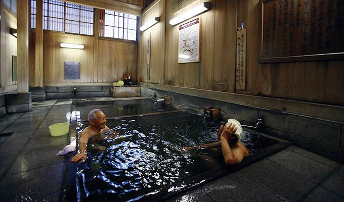 大人のお湯旅「野沢温泉」