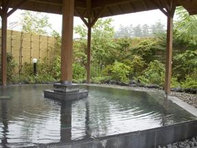 ホテル一井 和風情緒あふれる庭園風の露天風呂