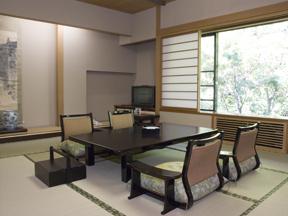 大阪屋 茶室がついた本格的数寄屋作り 開放感あふれる明るい和室