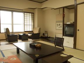 岸権旅館 古き良き日本旅館の趣き漂う客室