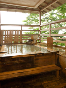森秋旅館 湯に遊ぶなら月夜の晩も捨てがたい