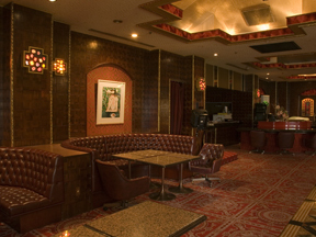 大江戸温泉物語 鬼怒川温泉 鬼怒川観光ホテル 落ち着いたインテリアと抑えた照明が大人の雰囲気を醸し出している