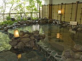 鬼怒川温泉ホテル 露天風呂(木造り大浴場 渓谷の湯)