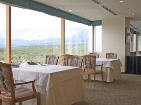 ホテルエピナール那須 高原のフランス料理「ラ・ヴェルデュール」。最高のロケーションで贅沢なフレンチを