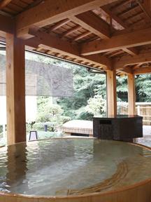 ホテル南風荘 「いちの湯」樽風呂