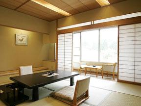 ホテルニュー水戸屋 ゆったりと過ごせる広縁付きの和室