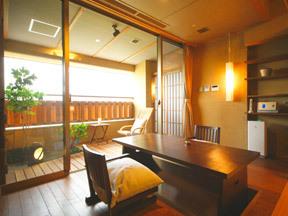 瑠璃光 和洋室の広縁