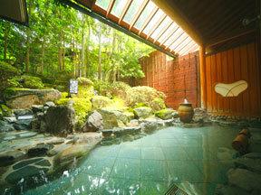 翠明 奥方大浴場「瑠璃光浴殿」(露天風呂)