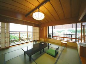ゆ湯の宿白山菖蒲亭 眺望も楽しみな最上階の露天風呂付き角部屋