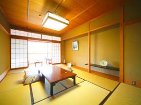 みどりの宿萬松閣 随所に情緒を感じられる数寄屋造りの客室