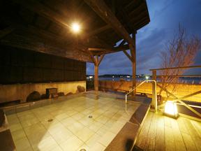 湖畔の宿 森本 「瑞光」殿方大浴場の露天風呂