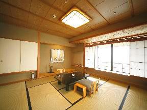 加賀屋 心身ともに安らぐ高級感漂う2間続きの和室