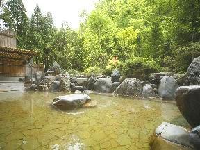 ホテルまほろば 「B2大浴場」酸性鉄泉浴槽