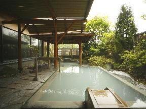 旅亭花ゆら 女子大浴場「極楽の湯」檜露天風呂