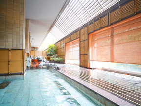 水上ホテル聚楽 露天風呂「天狗の湯」
