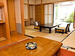 河口湖温泉寺露天風呂の宿 夢殿 茶室をイメージした次の間付きの純和風のしつらい