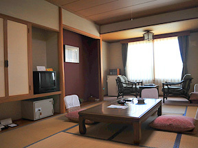 ホテル大平原 ゆったりスペースが特徴の東館和室