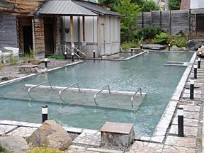 定山渓グランドホテル瑞苑 大露天風呂かがり火の湯