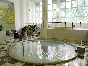 定山渓ホテル 円形風呂(中浴場)